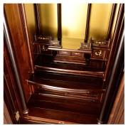 岸佛光堂オリジナル仏壇「山茶花」無垢使用 板扉一枚型 ー 棚